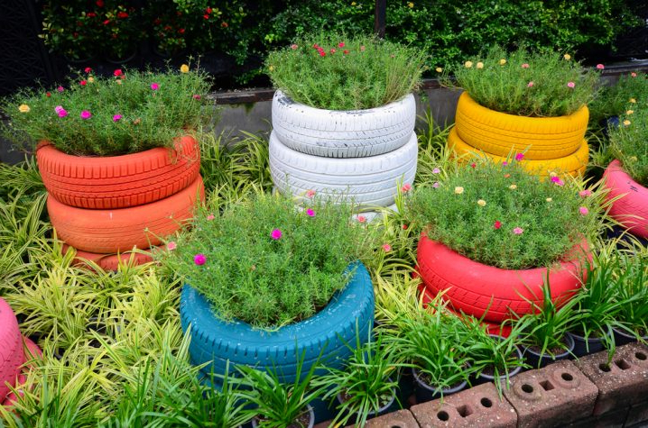 Fascinating Flower Tire Planters That You Should See Today