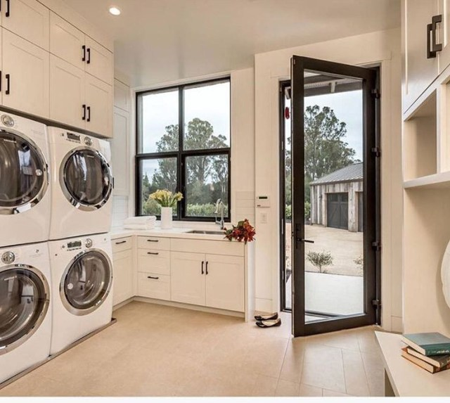 For A Large Family Big Laundry Room Laundry Mudroom
