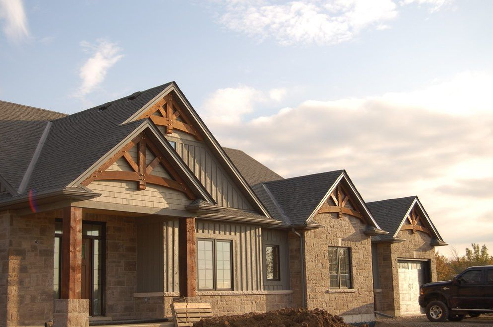 Homes With Exterior Truss Gable Truss Exterior Rustic