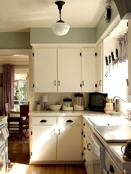 Nice Simple Little Kitchen How To Decorate With An