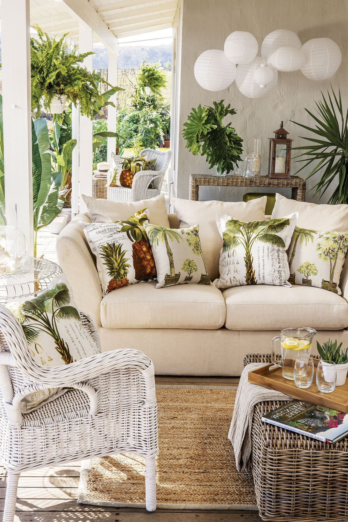 Palm Tree Sofa Amazing Tropical Living Rooms With Wicker