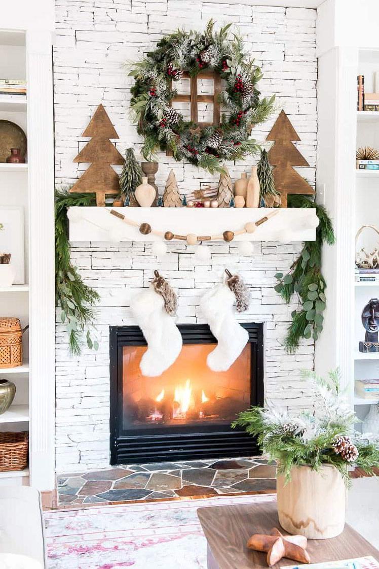 Prodigious Holiday Decorating Ideas For Mantels