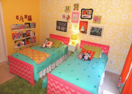 Readers Favorite Bright And Fun Shared Girls Room