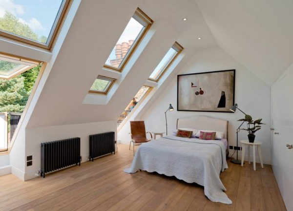 Sleeping Under The Stars Bedroom Skylight Ideas