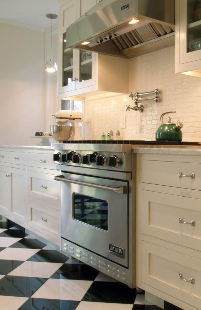 Spice Up Your Kitchen Tile Backsplash Ideas Small White Kitchens Kitchen Design White