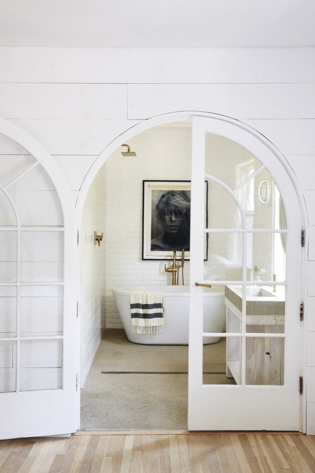 The Most Perfect Modern Farmhouse Style Bright White