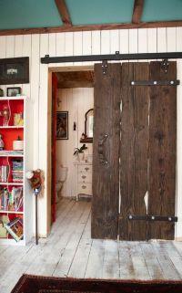 How to Make a DIY Barn Door | HomeDesignBoard
