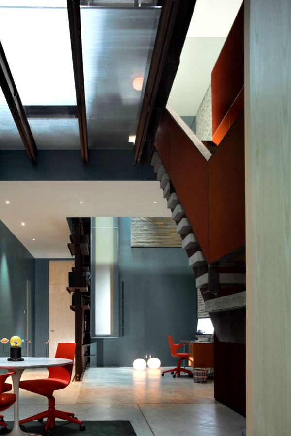 The Inverted Warehouse Townhouse of New York  Home Design