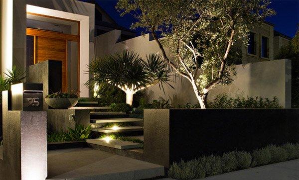 15 dramatic landscape lighting ideas