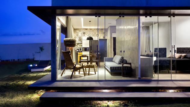 A Small Simple And Sophisticated Rectangular Box House Home