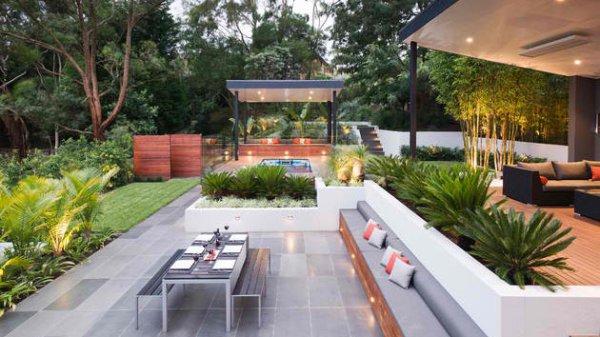 contemporary backyard patio
