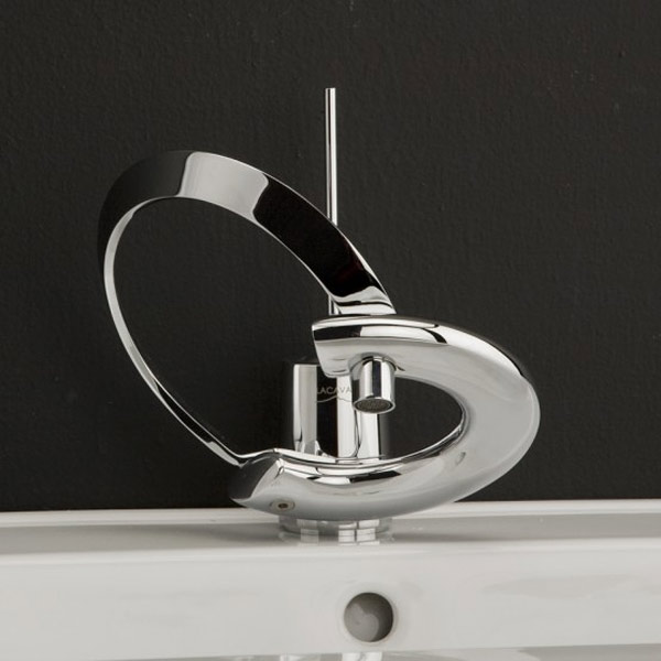 Embellish Your Bathrooms with these 20 Styles of Faucets