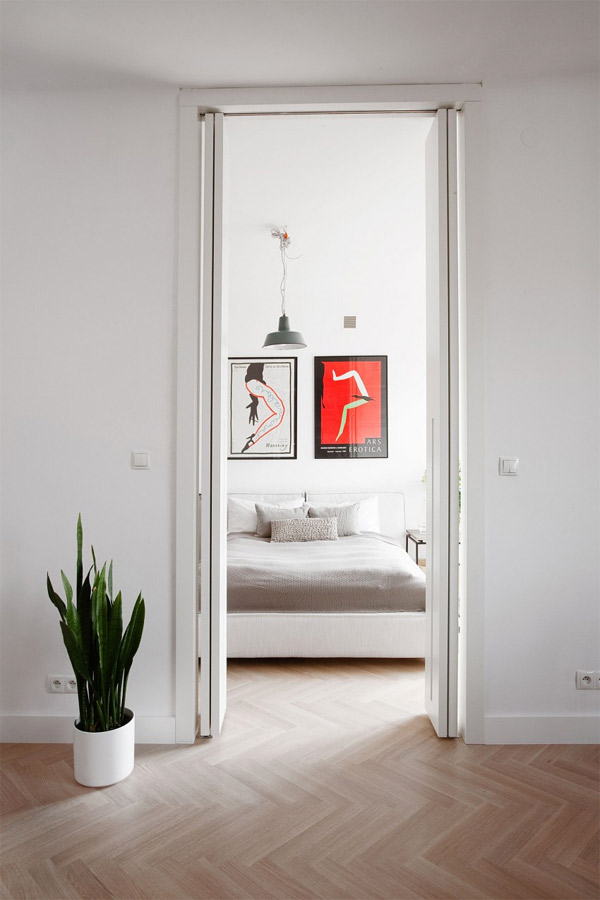 Ethnic Inspired Interior of a Minimalist Apartment in