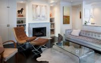 20 Living Rooms Adorned with Cowhide Rugs | Home Design Lover