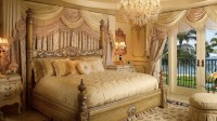 20 Glorious Old Mansion Bedrooms