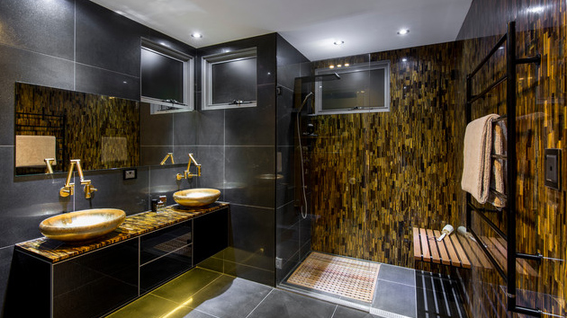 Here Are 20 Ideas To Add Gold In Your Bathroom Home