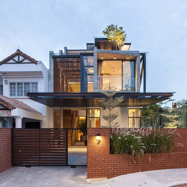 Exquisite and Luxurious Features in Different Levels of Railway House in Singapore