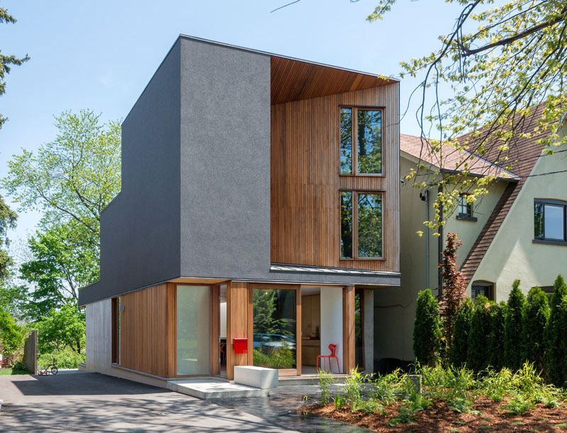 A Modern Home With Bright Interiors in Toronto, Canada