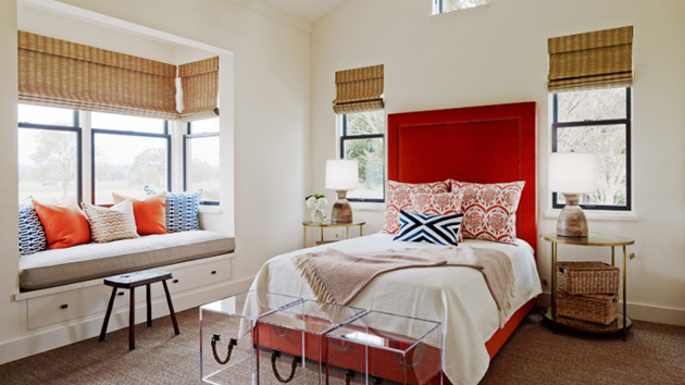20 Stunning Bay Windows with Seats in the Bedroom
