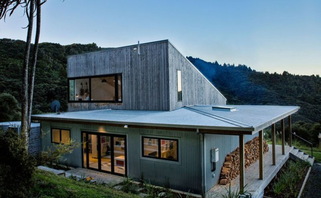 Back Country Home A Small Modern Residence In New Zealand