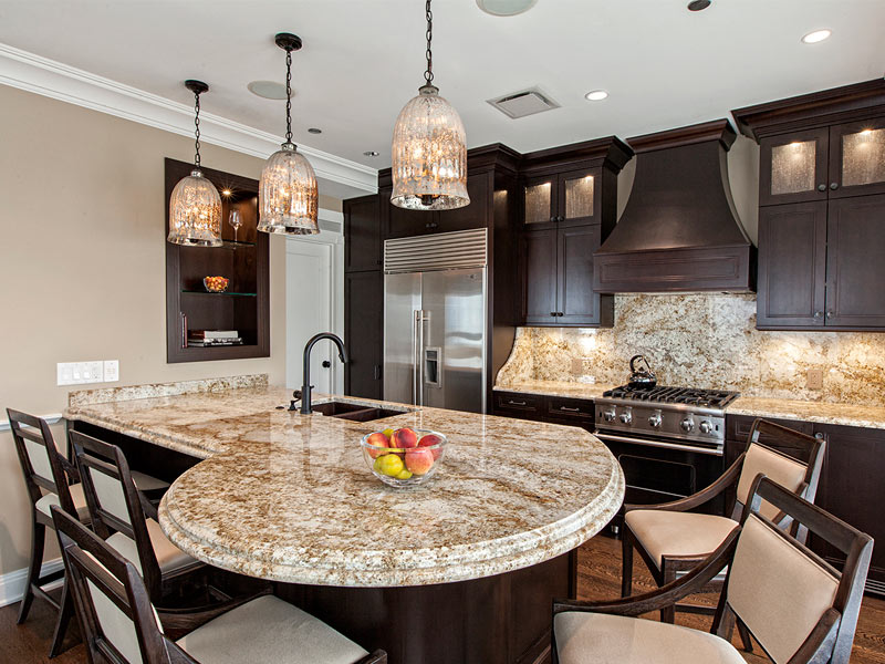 Horseshoe Shaped Kitchen Island