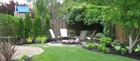 Backyard flower beds - large and beautiful photos. Photo ...