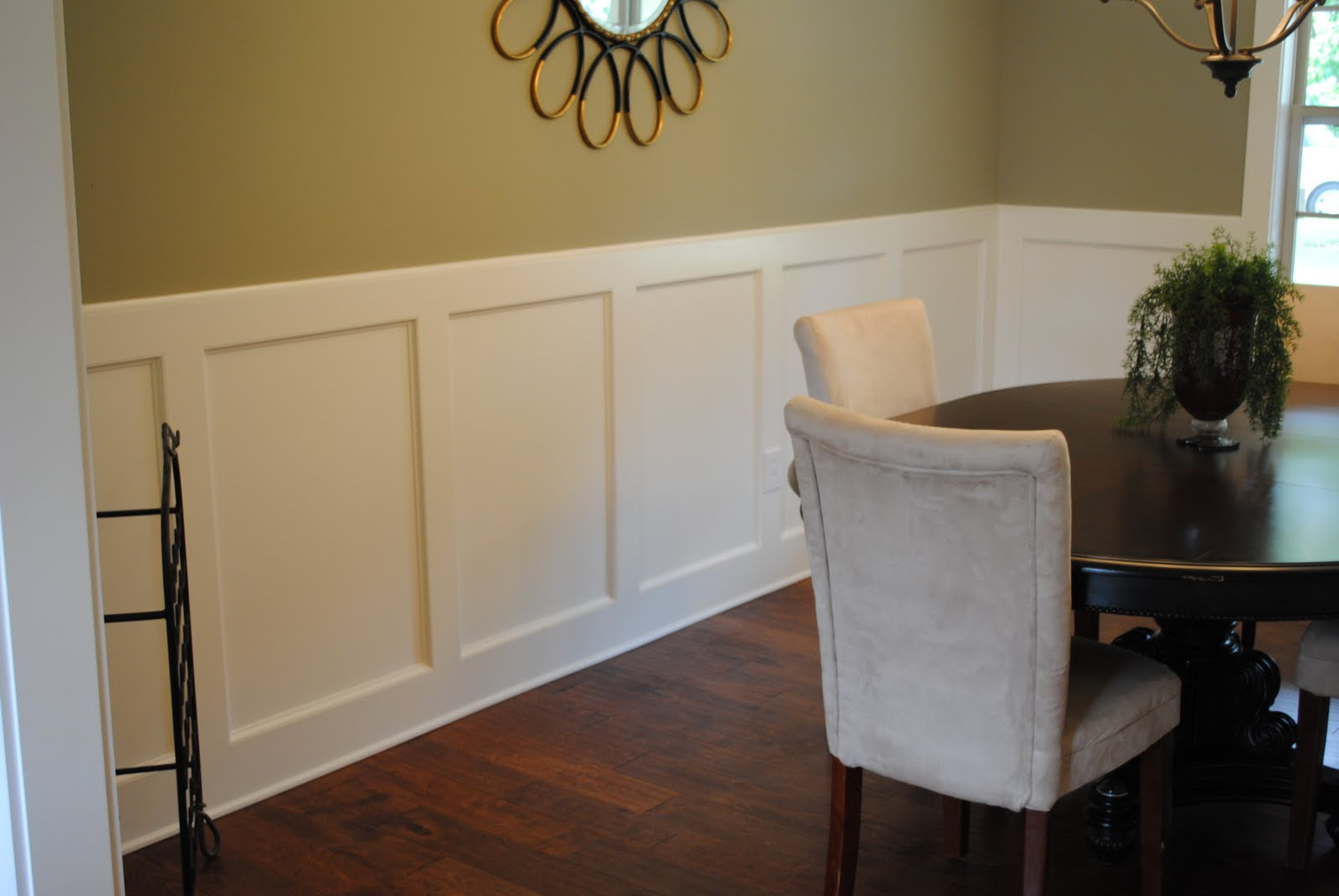 Painting dining room with chair rail