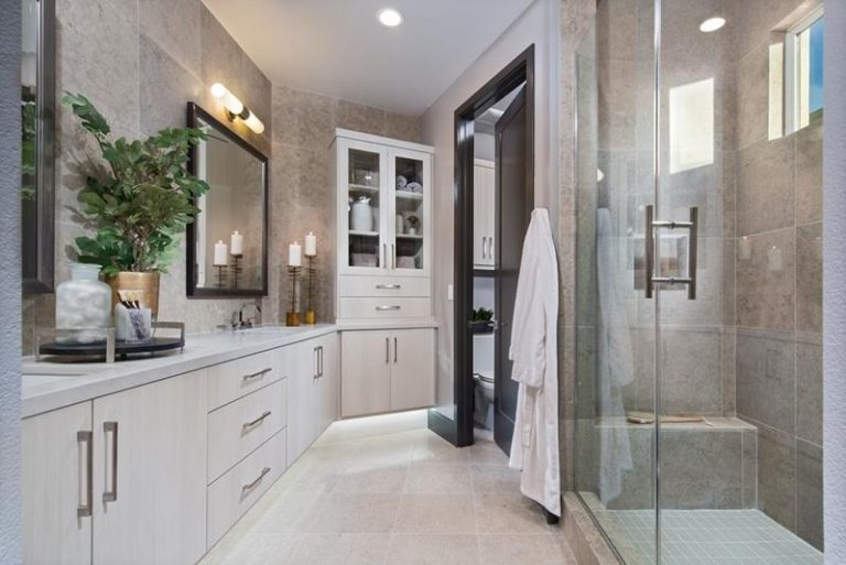 The 20 Most Beautiful Master Bathrooms of 2021 - Page 2 of 4