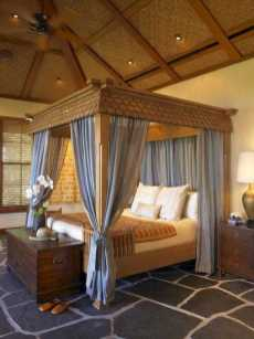 Dreamy Canopy Beds 0006