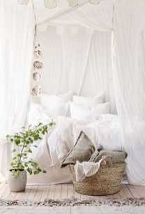 Dreamy Canopy Beds 0007