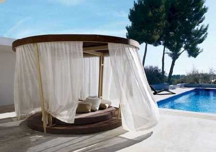 Dreamy Canopy Beds 0017