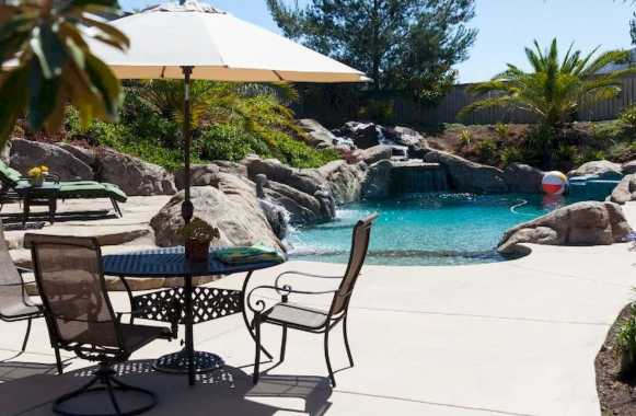 Small Backyard Pool Is All About The Landscape Design
