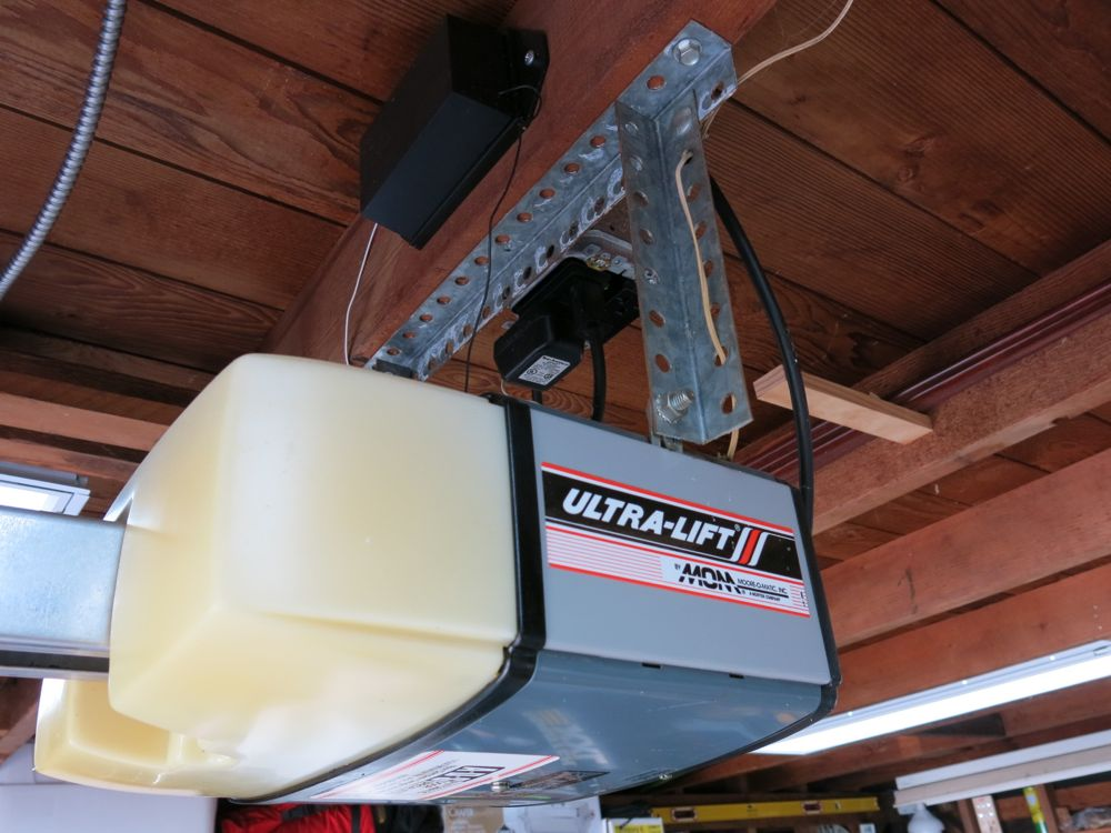 lift master garage door wiring diagram honda civic obd2 liftmaster opener - we review the 8550 with myq technology