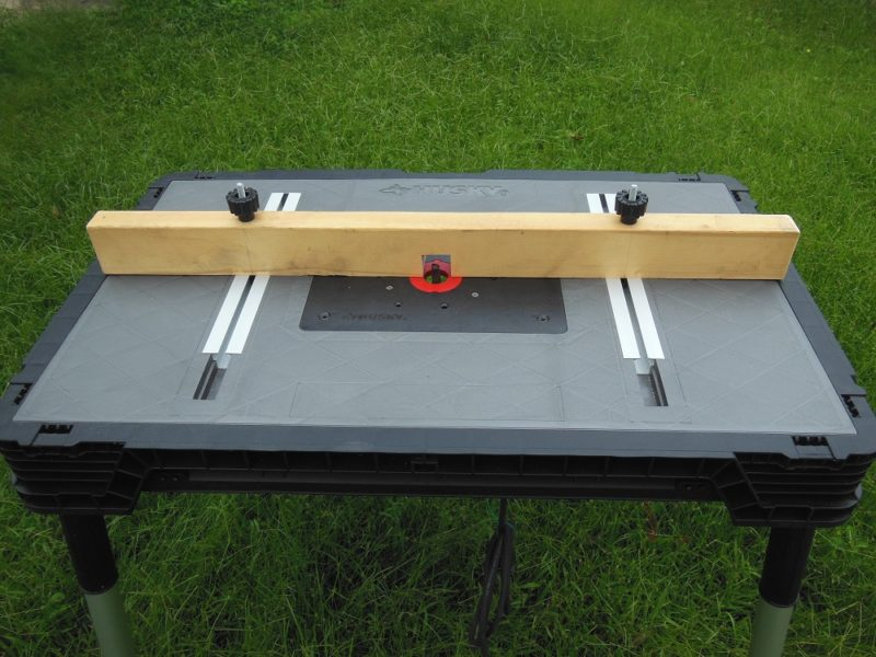 Husky 1500 Lb Capacity Portable Workbench Bench And