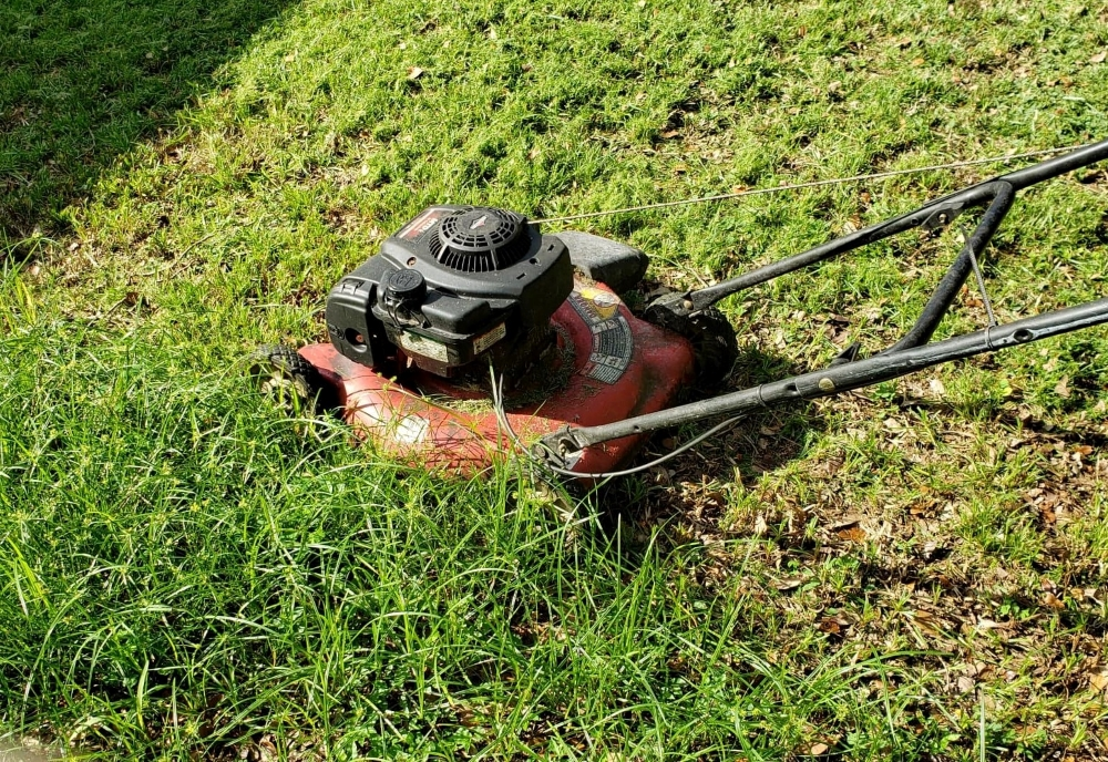 How To Remove And Sharpen A Lawn Mower Blade - Safely And Easily