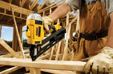 Even if you have gas, this framing nailer won't
