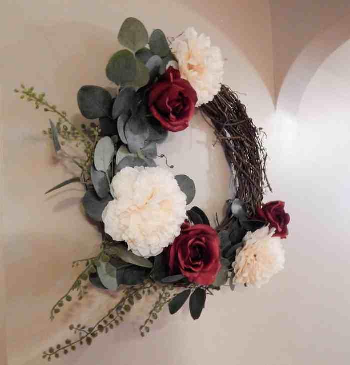 Easy DIY Wreath - Side view of wreath
