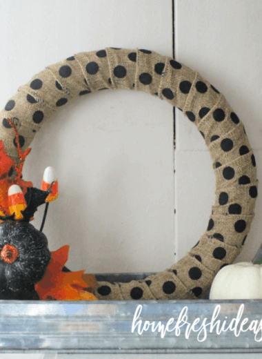 finished wreath on mantle