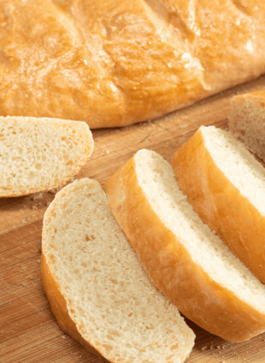 Ultimate Homemade French Bread Recipe - This Ultimate Homemade French Bread Recipe is the perfect side to all your dinners. The bread is soft and it has a flaky crust to die for. #bread #frenchbread #homemade #dinner #side #holiday #homefreshideas