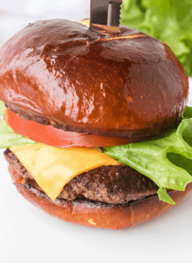 Have a new Blackstone Griddle but aren't sure what to make one it? This Juicy Smash Burger Recipe is the BOMB! They are easy to make and taste terrific. #smashburger #burger #blackstonegriddle #griddle #blackstone #blackstonegrill #smashburgers #recipe #homefreshideas