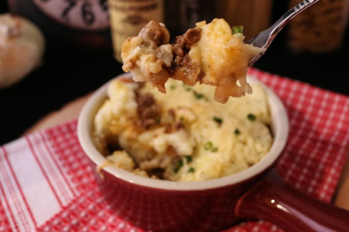 Food Exploring :: Cottage Pie with Winter Lager