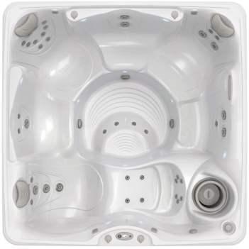 Foto van Caldera Spa type Palatino. Het bad op de foto heeft een kuip in de kleur arctic white.