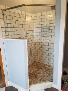 glass showers, showers, milwaukee,