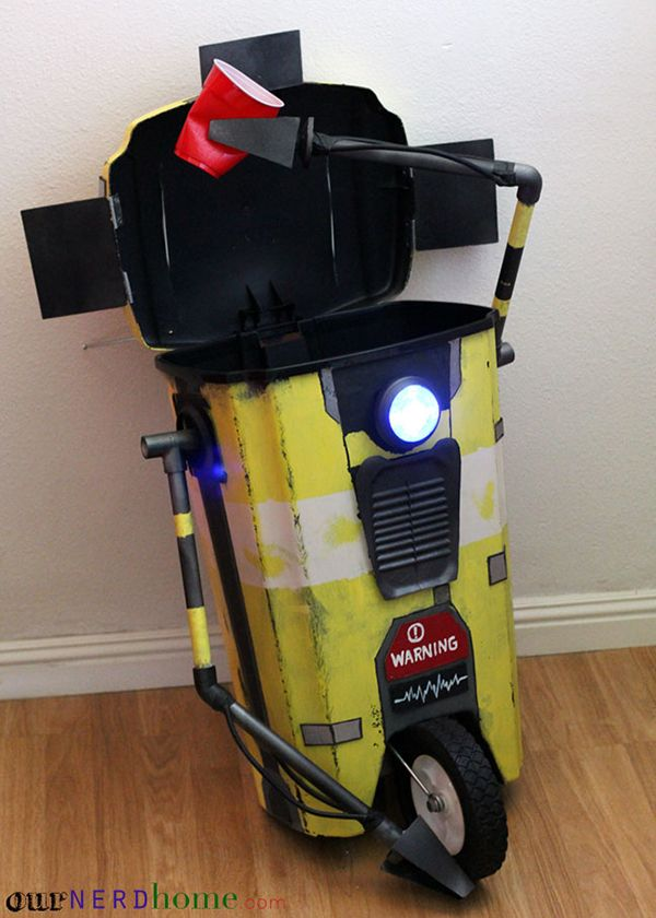 DIYers create a Claptrap trash can with incredible details