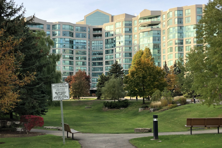 Thornhill condos for sale