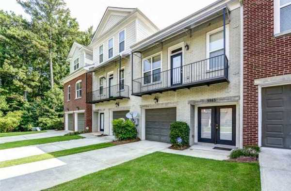 Norcross Townhomes In Brookside Green