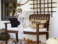 9 Scary & Brilliant Outdoor Halloween Decoration Ideas