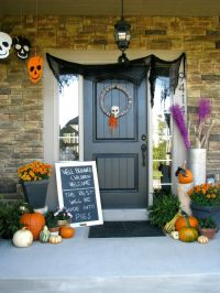 The Best 35 Front Door Decorations For This Halloween