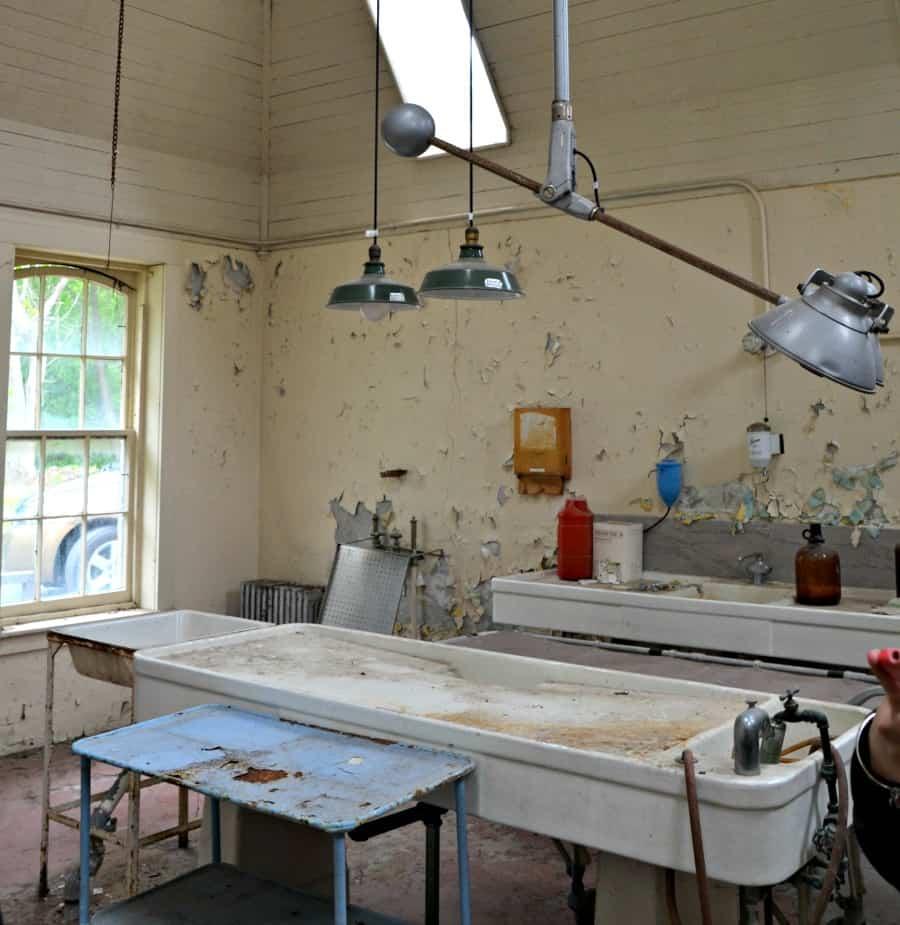 Willard Morgue Autopsy Table