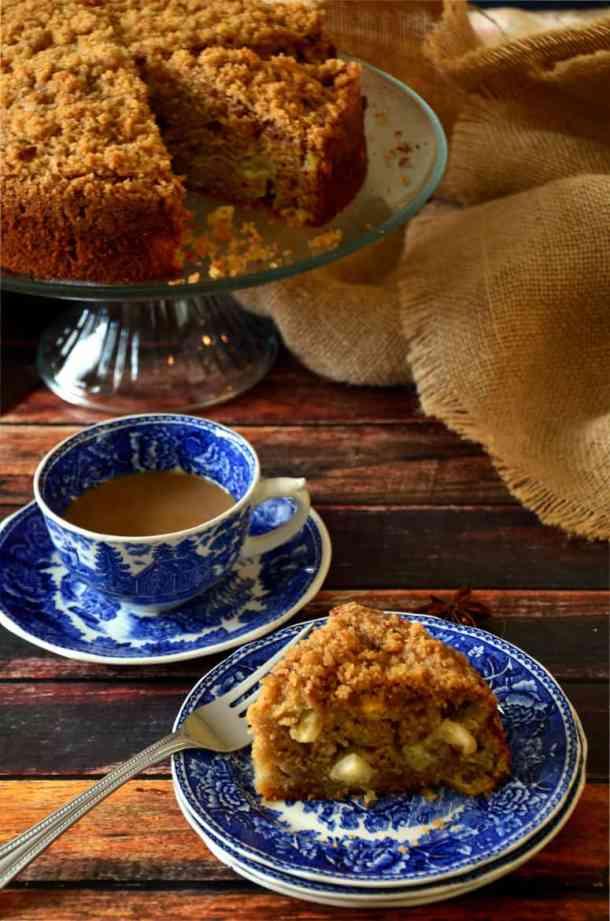 Apple Chai Coffee Cake